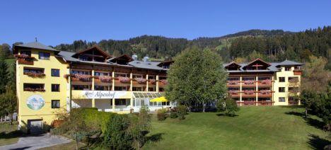 Alpenhof_Fassade_Sommer1