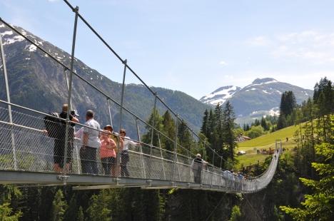 Gruppenreise nach Tirol - Hängebrücke Holzgau