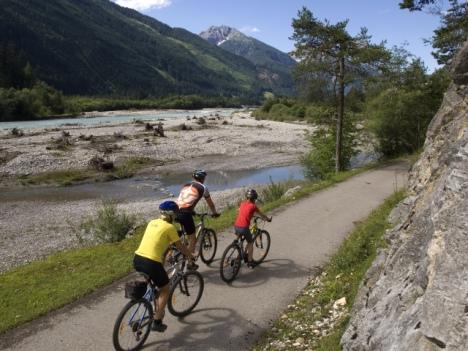 Radfahren direkt am Lech